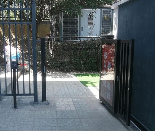 龙门补习学校自动广告门人员通道门禁系统